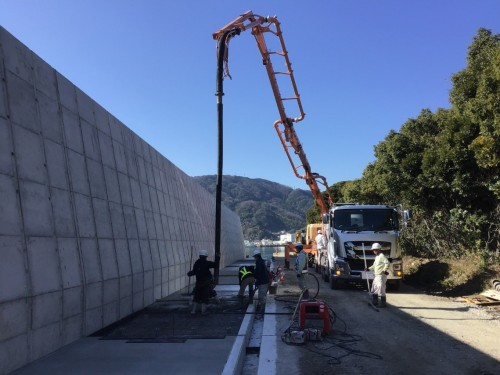 水叩き工コンクリート打設状況